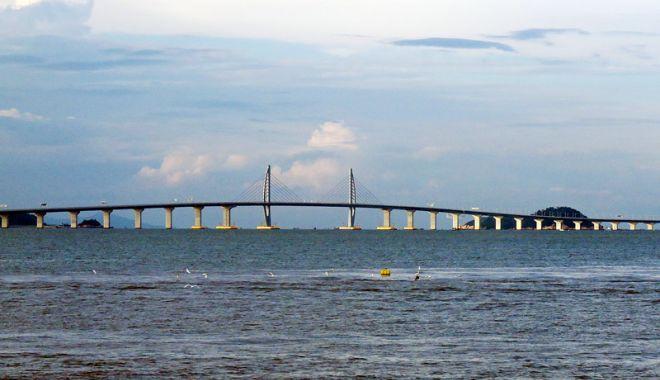 Foto: China a construit cel mai mare  pod maritim din lume: 55 km