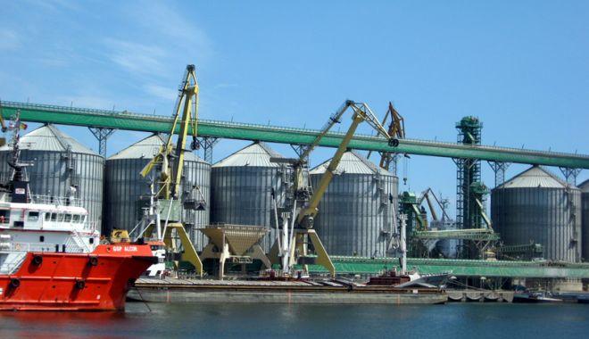 Foto: China își extinde controlul asupra porturilor lumii