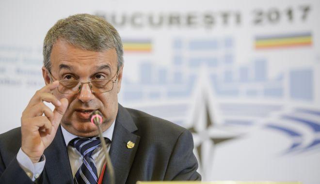 """Foto: Au apărut primele """"victime"""" ale lui Vergil Chițac. ÎNCĂ TREI PERSOANE INFECTATE"""