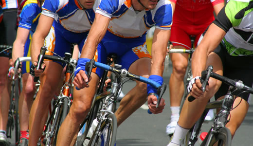 """Foto: Ciclism: 120 de sportivi la """"Turul ciclist al Ţinutului secuiesc"""""""