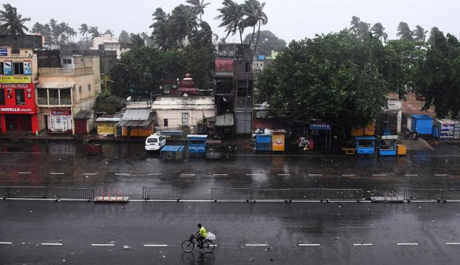 India, lovită puternic de ciclonul Fani. Peste un milion de persoane au fost evacuate - ciclonulfani-1556896314.jpg
