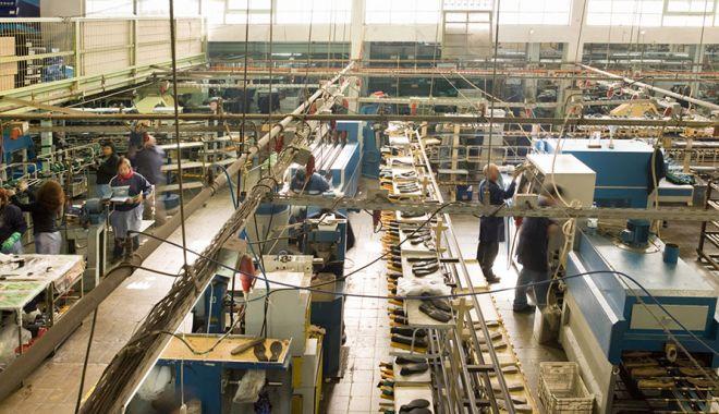 Foto: Creștere spectaculoasă a cifrei de afaceri din industrie
