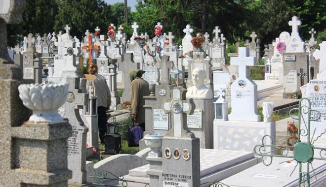 Foto: Cimitirele din Constanţa sunt arhipline! Unde mai putem cumpăra un loc de veci