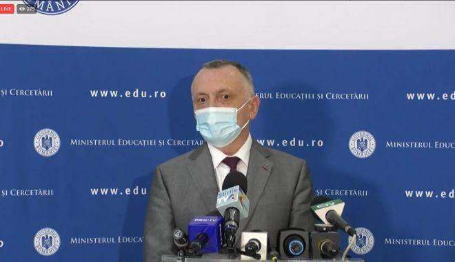 """Sorin Cîmpeanu: """"Urmează controale în unitățile unde promovabilitatea la Bacalaureat este zero"""" - cimpeanu-1625826282.jpg"""