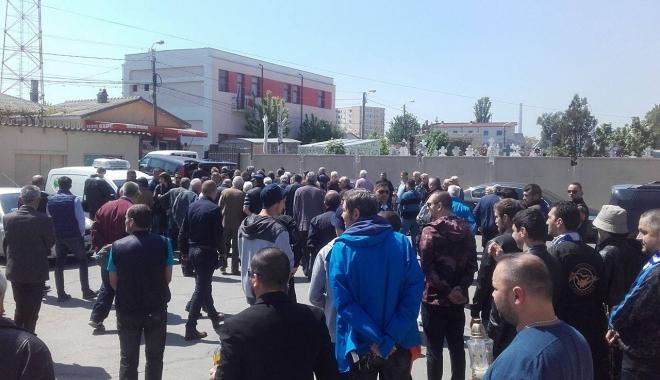 Imagini sfâşietoare! Durere fără margini la înmormântarea lui Dumitru Antonescu - cinci-1461842191.jpg