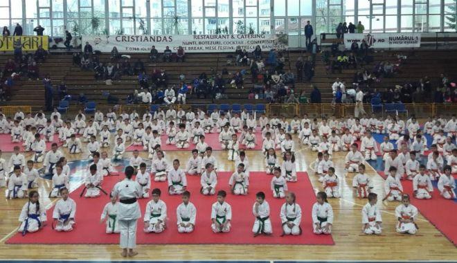 Foto: Cinci sportivi din Eforie, pe podiumul Naţionalelor de karate tradiţional