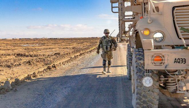 Foto: Cinci militari români, răniţi în Afganistan