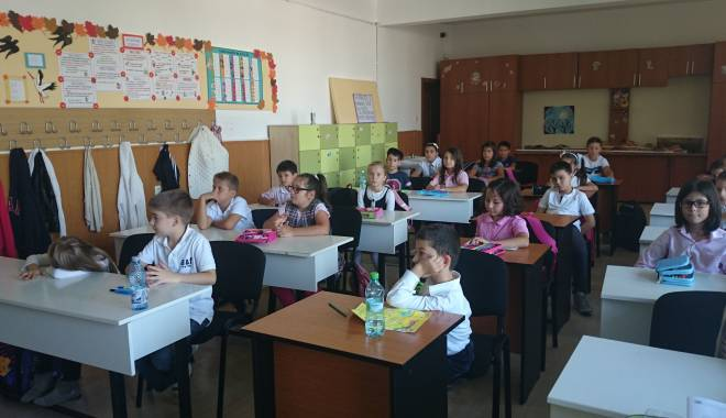 """Foto: Cinci şcoli constănţene găzduiesc Concursul judeţean """"Amicii isteţi"""""""