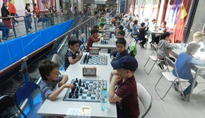 Foto: Cine sunt premianţii turneului de şah de la Cora Brătianu