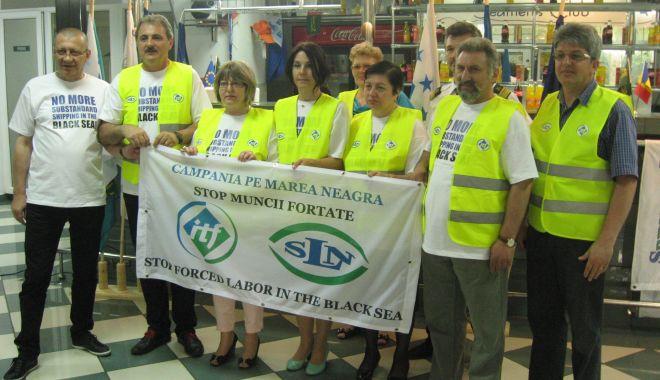 Cine îi ajută pe navigatorii români să se înscrie în programul de vaccinare anticovid? - cineajutanavigatoriiromanisasein-1611340125.jpg