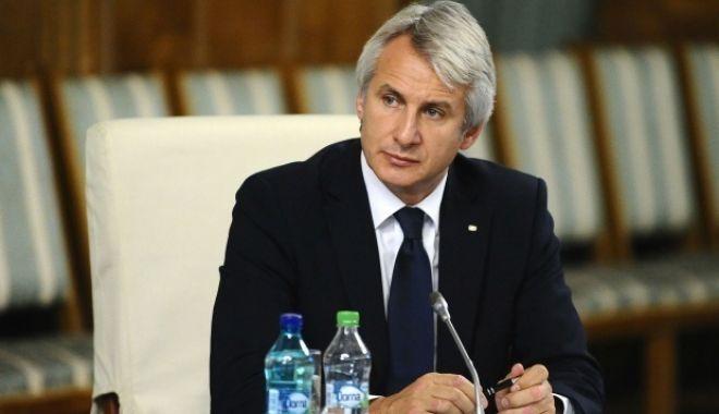 Foto: Teodorovici, despre candidatura sa la preşedinţie: Cred că România ar avea o şansă foarte mare cu un astfel de preşedinte
