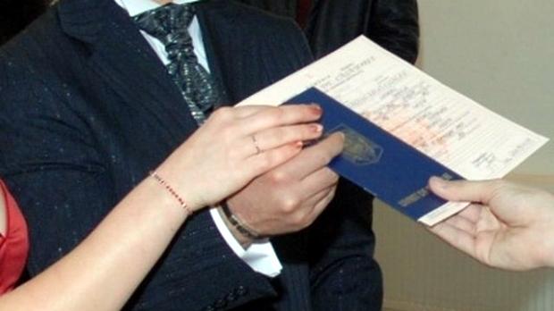 Cine poate solicita duplicat de pe certificatul de căsătorie - cinepoatesolicita-1394726453.jpg