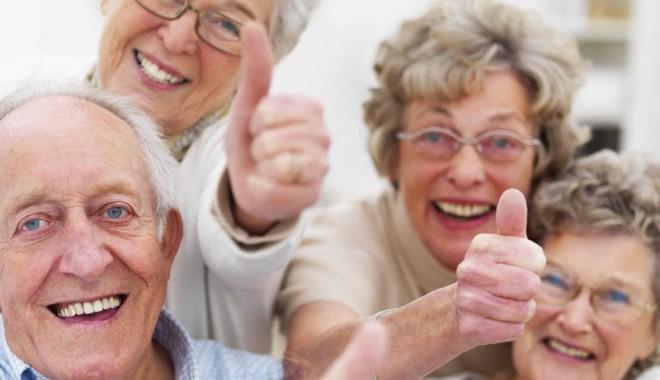 Foto: Cine trebuie să asigure pensia vârstnicilor