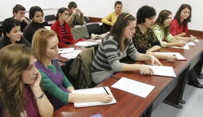 Foto: În atenţia studenţilor care vor să studieze în America