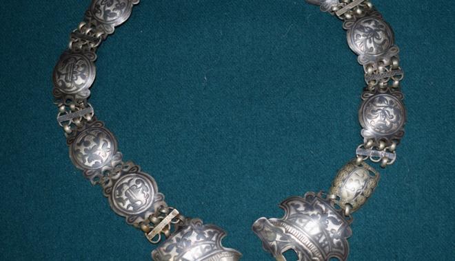Cingători din argint, în colecţiile Muzeului  de Artă Populară - cingatoriargint2-1511536205.jpg