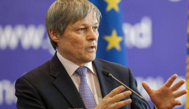 Foto: Dacian Cioloş: Orice proiect de societate ar exista este sortit eșecului