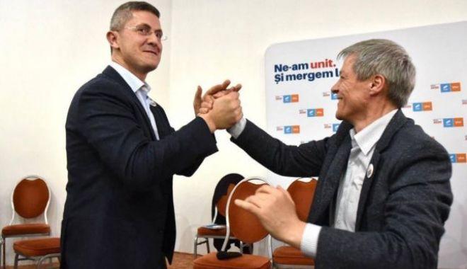 Foto: Cioloș: USR-PLUS intră la guvernare doar dacă câștigă alegerile