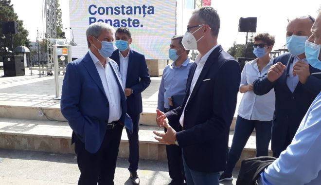 """Foto: Dacian Cioloş, prezent la malul mării. """"Constanţa are nevoie de Stelian Ion!"""""""