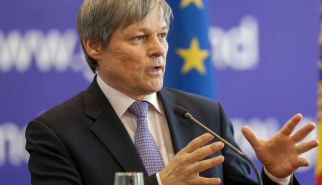 Foto: Dacian Cioloş, pe listele PLUS pentru alegerile europarlamentare