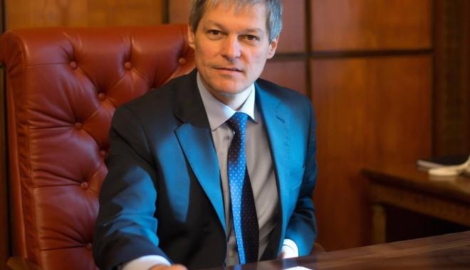 Foto: Dacian Cioloş, deplasare la Washington. Care este motivul