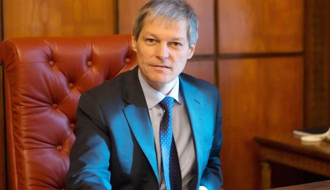 """Foto: Dacian Cioloş îşi face partid: """"Nu vom acționa împotriva celor cu același ADN"""""""