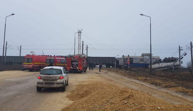 Cisternă cu motorină, lovită de tren, în Portul Constanţa - cisterna4-1548419515.jpg