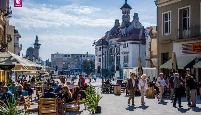 Foto: Turism de sezon! Cât costă  un city break la Constanţa