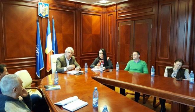 Foto: CJC caută măsuri pentru urgentarea proiectelor din fonduri publice