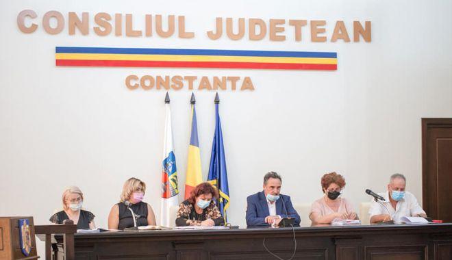 """Președintele CJC, Mihai Lupu: """"Nu vom mai tolera aglomerarea mijloacelor de transport"""" - cjc-1628013074.jpg"""