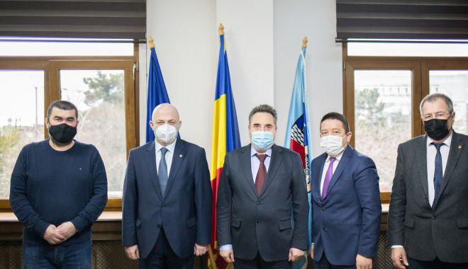 Preşedintele CJC, Mihai Lupu, întâlnire cu reprezentanţii minorităţilor din Constanţa - cjcintalnire-1616179012.jpg