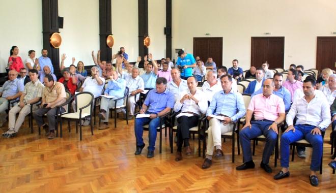 Foto: Consilierii judeţeni, convocaţi în şedinţă. Ce proiecte vor vota