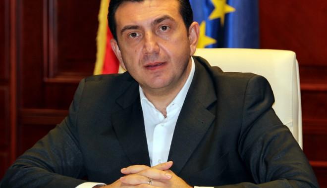 """Foto: """"Mazăre şi Nicuşor ar trebui să-şi facă griji, electoratul şi-a pierdut încrederea"""""""