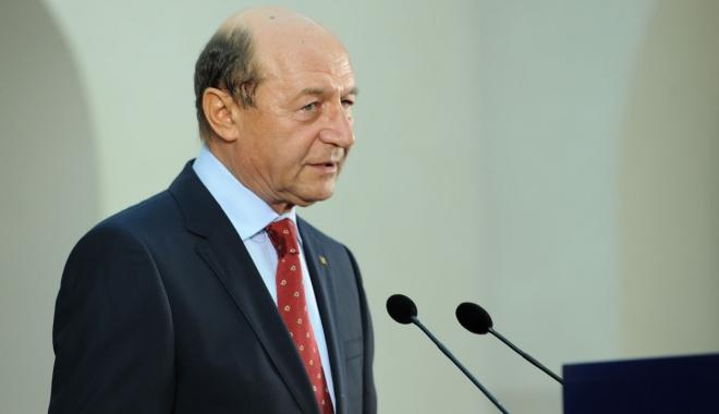 Foto: Traian Băsescu vrea graţierea pedepselor sub 10 ani şi reducerea celor pentru femei