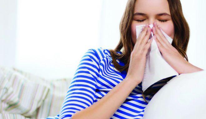 Rinita alergică este însoțită, frecvent, și de conjunctivită