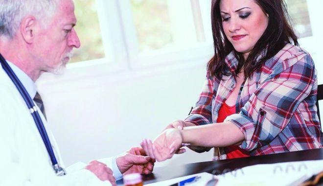 Sindromul de tunel carpian vă afectează puternic mâinile