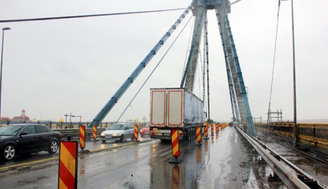 Foto: CNADNR men�ine restric�iile de trafic  pe podul Agigea
