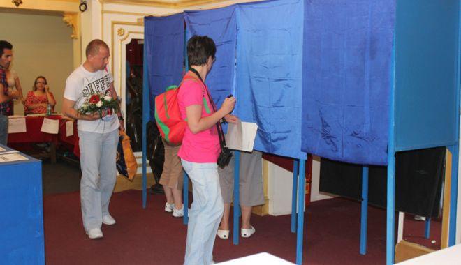 Foto: Coaliţia pentru Familie acuză modul în care a fost organizat referendumul şi boicotul partidelor