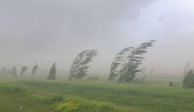 ATENȚIE! COD PORTOCALIU de ploi torențiale și grindină, în județul Constanța - cod-1561289393.jpg