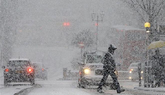 """Foto: Șefa ANM explică de ce ciclonul cu aer polar a lovit România. """"Va ține până spre sfârșitul primei decade a lunii martie"""""""