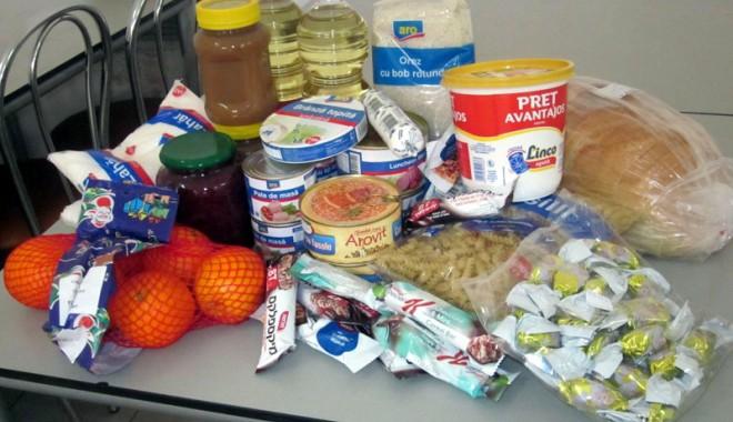 Foto: Colectă de produse de igienă, haine şi alimente, la Medgidia
