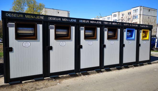Foto: A început montarea de platforme  pentru colectarea selectivă a deșeurilor