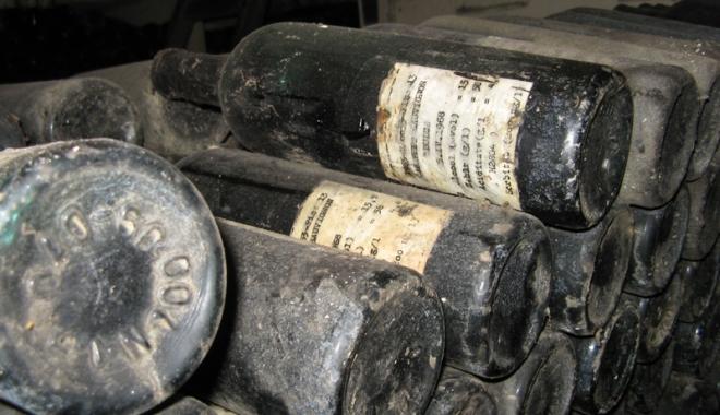 Foto: Colecţia de vinuri a Staţiunii  de Cercetare Murfatlar, scoasă la licitaţie de Fisc