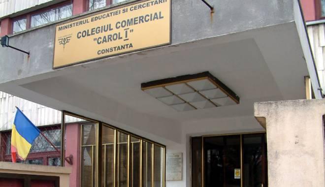 """Foto: Serbarea Francofoniei la Colegiul """"Carol I"""""""