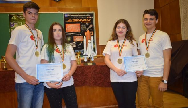 Ziua Naţională a României, sărbătorită de mircişti cu numeroase premii la concursuri internaţionale - colegiulmircea22-1511883282.jpg