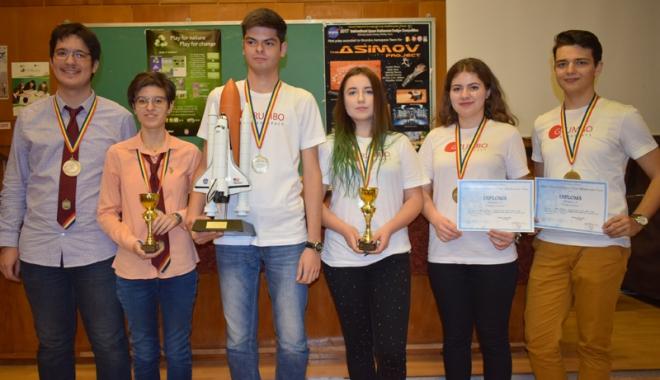 Ziua Naţională a României, sărbătorită de mircişti cu numeroase premii la concursuri internaţionale - colegiulmircea26-1511883289.jpg
