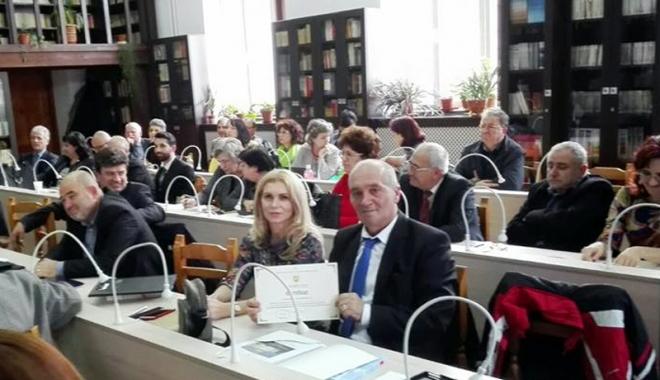 """Foto: Colegiul Naţional  """"Mihai Eminescu"""" a aderat  la Alianţa Colegiilor Centenare"""