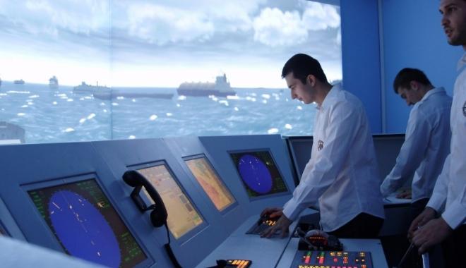 Foto: Două noi proiecte de educaţie pentru cei ce vor să devină ofiţeri de marină la Colegiul Nautic Român. Ofiţer cu brevet britanic în 2 ani