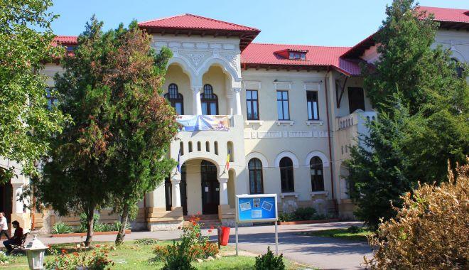 """Colegiul Pedagogic din Constanţa a primit titlul de """"Școală-ambasador a Parlamentului European"""""""