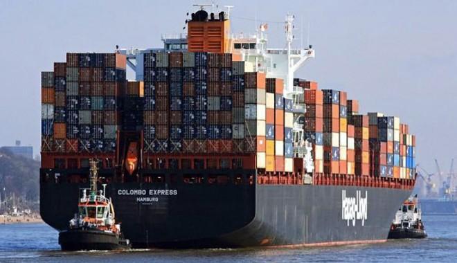 Foto: Coliziune între doi coloşi, pe Canalul Suez