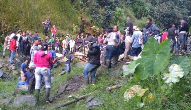 Foto: Columbia:  14 morţi  şi 35 de răniţi  într-un  accident rutier